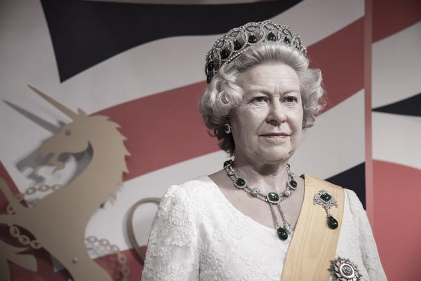 15864 Queen